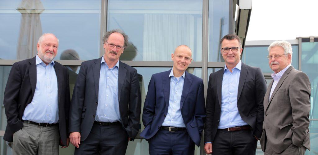 Printjury 2016 v.l.n.r. Werner D'Inka (Herausgeber FAZ), Andreas Richter (Hauptgeschäftsführer IHK Stuttgart), Wolfgang Krach (Chefredakteur Süddeutsche Zeitung), Ulrich Becker (Chefredakteur Südwestpresse), Burkhard Freyberg (Vizepräsident IHK Karlsruhe)