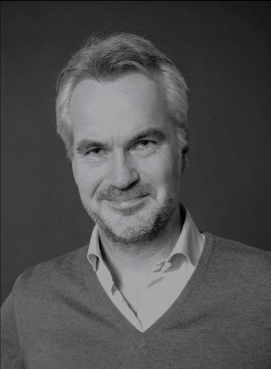 Dr. Robin Houcken